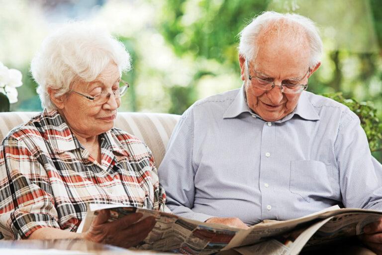 Кому  из смоленских пенсионеров в 2020 году положена  региональная доплата?