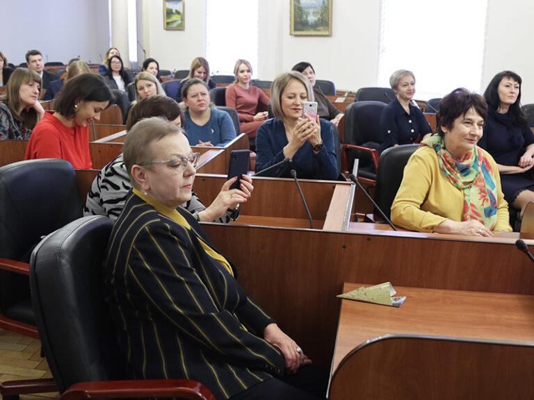 Игорь Ляхов вручил награды победителям конкурса СМИ