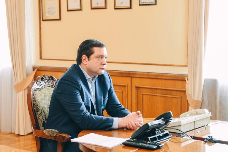 Губернатор Смоленской области Алексей Островский провёл рабочее  совещание, посвящённое подготовке к празднованию 75-летия Великой Победы