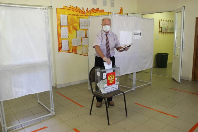В Новодугинском районе началось досрочное голосование