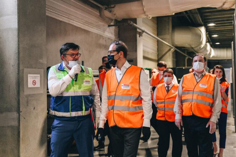 Рабочий визит министра промышленности и торговли Дениса Мантурова в Смоленскую область