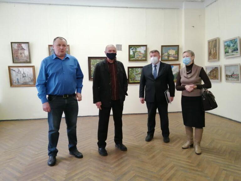 Открылась выставка работ участников пленэра «Край родной»