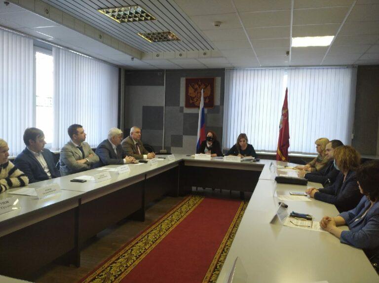 Члены Регионального общественного штаба по наблюдению за предстоящими выборами – за круглым столом