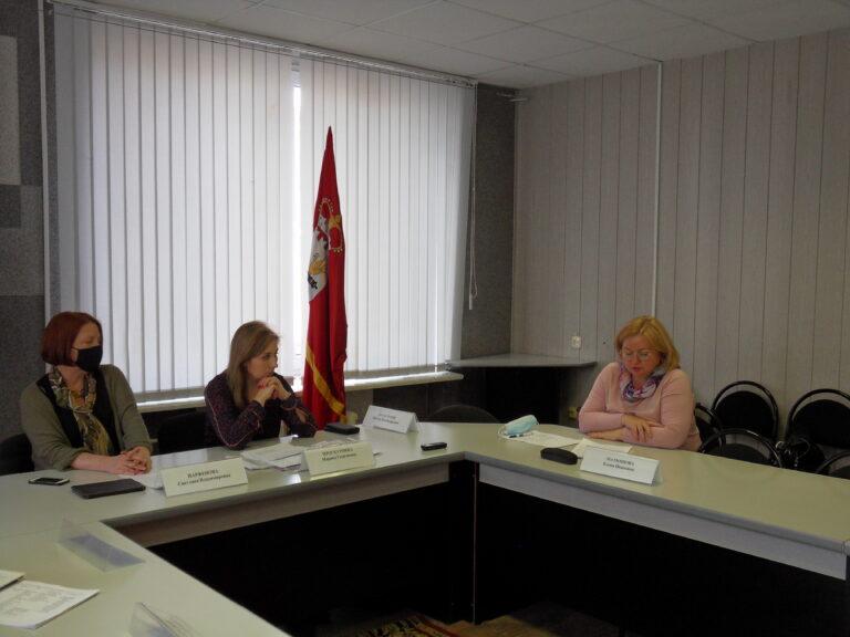 В Смоленске для представителей СМИ прошла пресс-конференция по подготовке общественных наблюдателей в регионе
