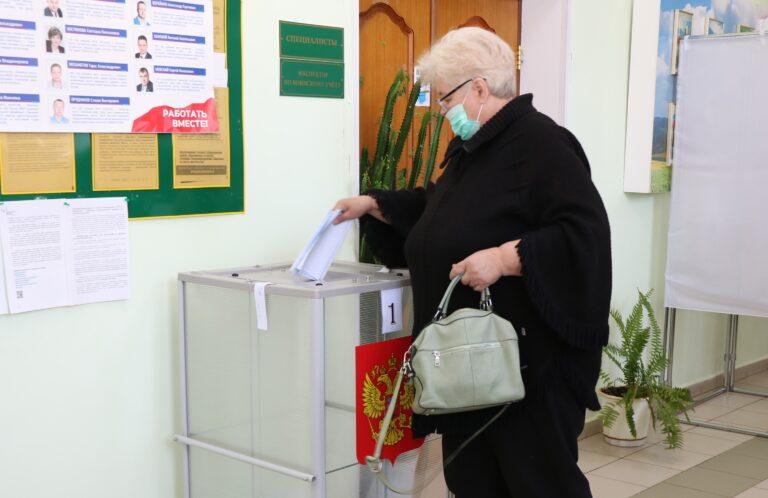 На избирательных участках прошло предварительное голосование «Единой России»